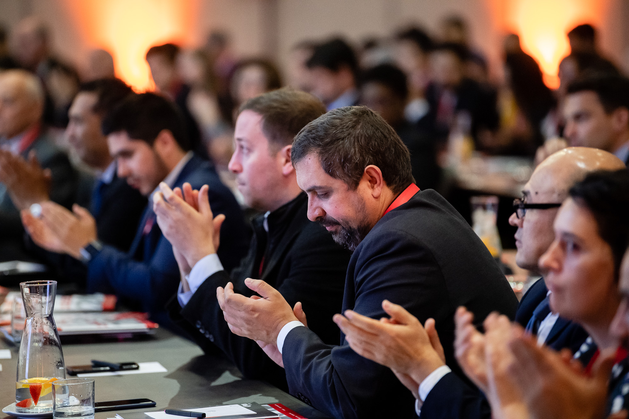 Attendees-clapping-056-GEOLAC_SANTIAGO